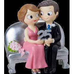 Figura 25 aniversario bodas de plata en sillón
